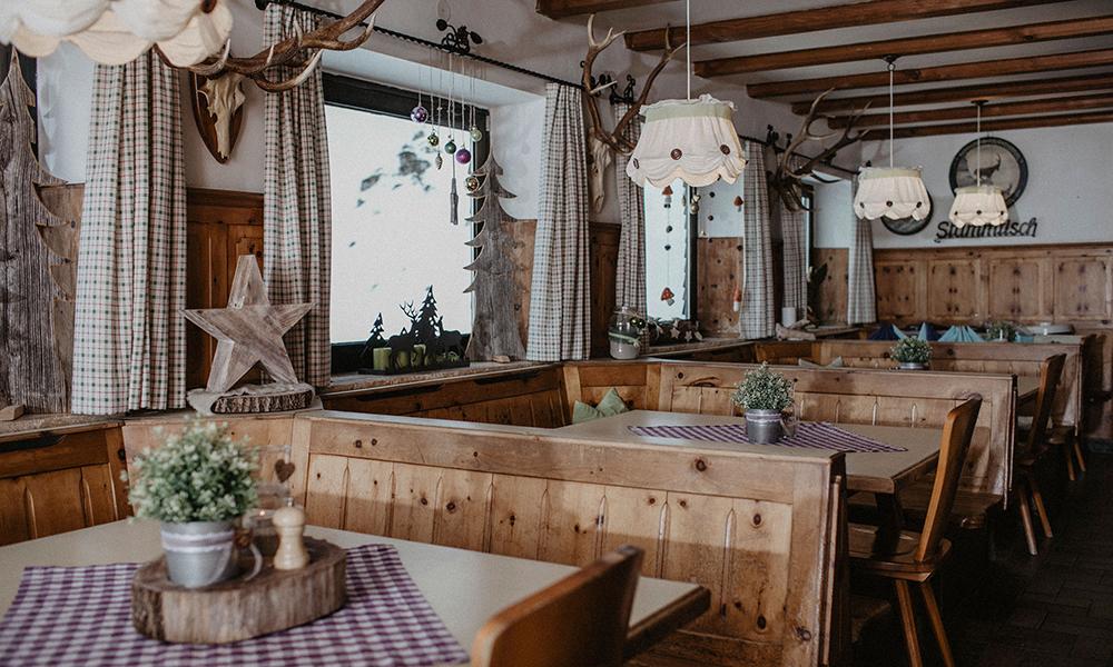 Frühstücksraum und Tagungsraum der Stie-Alm